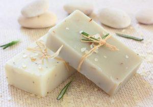 Les savons gras pour purifier la peau en profondeur