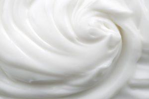 Une crèmes nettoyante onctueuse pour apaiser la peau