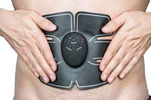 Une ceinture englobante ou des électrodes discrètes